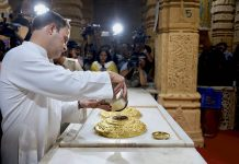 Congress vice President Rahul Gandhi offering prayers at the Somnath Temple