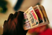 Banned Indian 1,000 rupee notes