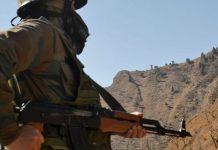 Army jawan keeps vigil in Poonch