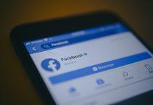 Facebook App | Johannes Berg/Bloomberg