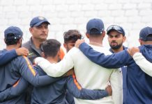 Ravi Shastri with the Indian cricket team | Twitter @BCCI