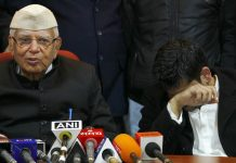 File image of Narayan Dutt Tiwari with Rohit Shekhar (R) after accepting him as his son, at a press conference | Arun Sharma/ Hindustan Times via Getty Images