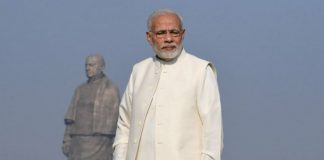 PM Narendra Modi in front of the Statue of Unity   @PMOIndia/ Twitter