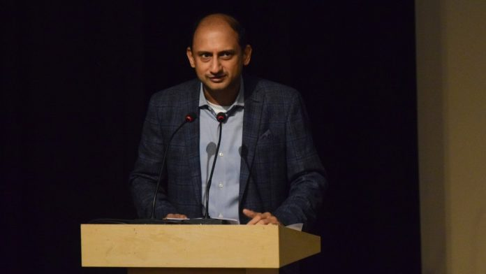 RBI Deputy Governor Viral Acharya quits 6 months before his term ends