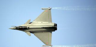 A Rafale fighter jet, manufactured by Dassault Aviation | Jason Alden/Bloomberg