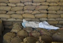 A farmer rests in a wholesale market (Representational image)