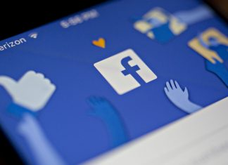 The Facebook Inc. application | Andrew Harrer/Bloomberg