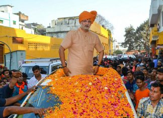 Vivek Oberoi as PM Narendra Modi during the shoot of his upcoming film 'PM Narendra Modi', in Varanasi | PTI