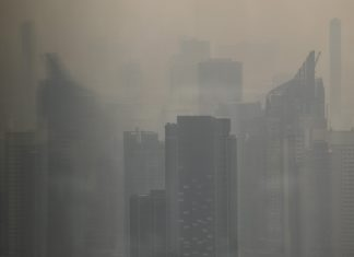Smog surrounds buildings in Bangkok